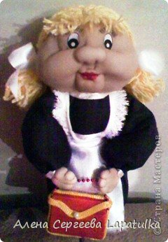 Куклы Выпускной День учителя Начало учебного года Шитьё Кукла из капрона Первоклашка Бусинки Капрон Коробки спичечные Ленты фото 1