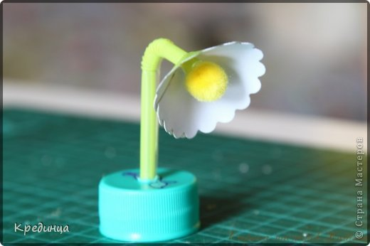 Мастер-класс Поделка изделие Моделирование МК по настольной лампе для куклы Бумага Клей Краска Трубочки коктейльные Шерсть
