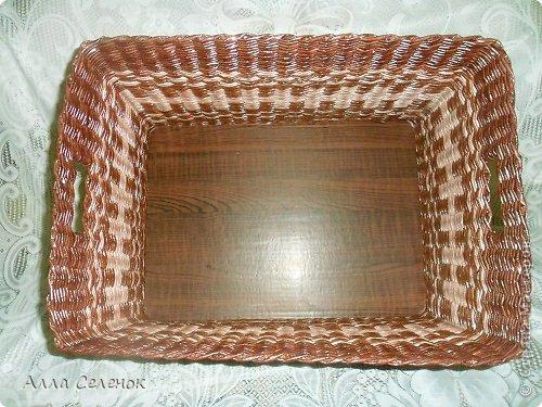 Поделка изделие Плетение Короб для салфеток Бумага газетная Трубочки бумажные фото 4