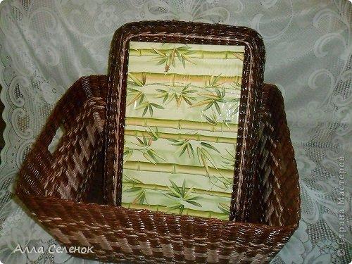 Поделка изделие Плетение Короб для салфеток Бумага газетная Трубочки бумажные фото 6