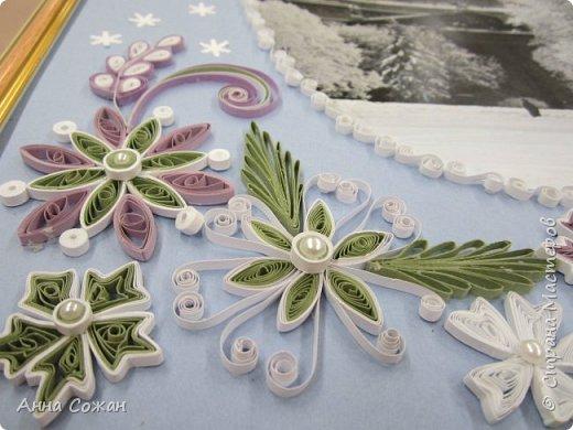 Картина панно рисунок Новый год Квиллинг Мчит Новый год на всех парах а мы в праведных трудах Бумажные полосы Бусины фото 4