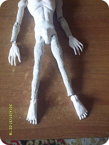 Куклы Мастер-класс Лепка Шарнирная кукла Завершение Краска Ленты Пластика фото 4