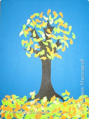 Вот такое осеннее деревце мы решили сделать в детский сад на выставку к Празднику Осени. фото 1