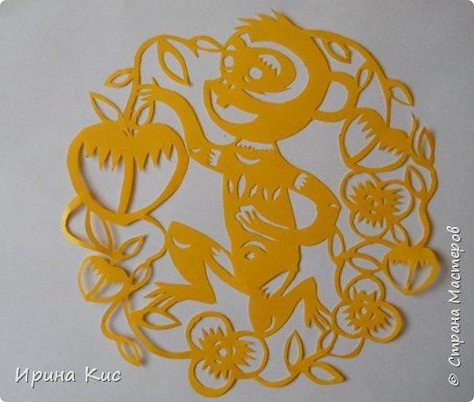 Поделка изделие Новый год Вырезание Готовлю сани летом  Вытынанки по восточному календарю обезьяна свинья петух  Начало  Бумага фото 2