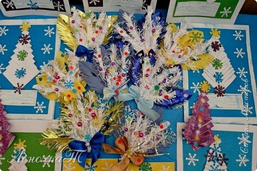 Мастер-класс Поделка изделие Новый год Рождество Моделирование конструирование Веточка еловая Бумага Бусины Ленты фото 7